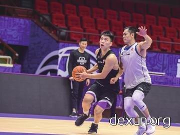 巩晓彬:我们要打出团队篮球